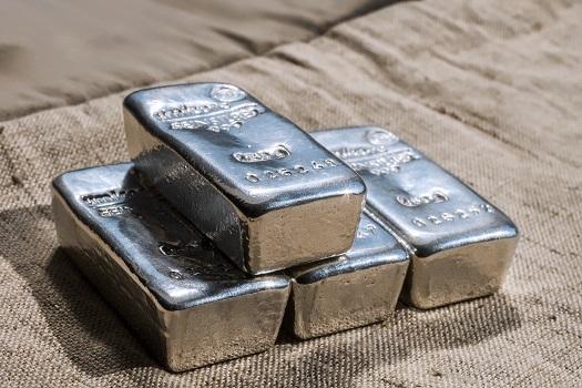 Επένδυση σε Ασήμι: Ποια Προβλέπεται να Είναι η Πορεία του Μετάλλου το 2021